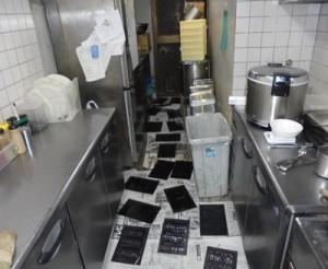 厨房にて集中捕鼠