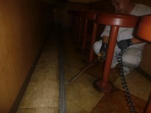カウンター壁面・床面に薬剤処理を実施