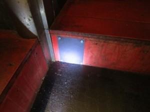 2F客席入口穴を閉塞