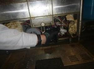 機器内部に薬剤処理を実施2
